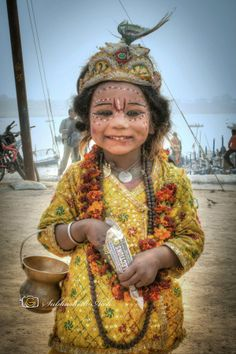 Little Girl @ Maha Kumbh Darshan in Allahabad, India