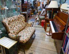 bermondsey antiques market metal trunk love london shops