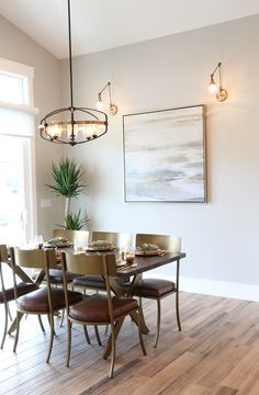 What to consider when choosing pendant lights for your home Dining Table Lighting, Dinning Table, Kitchen Lighting, High Ceiling Lighting, House Lighting, Rehab House, Pendant Lighting, High Ceilings, Lights