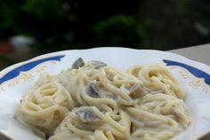Retete Culinare - Paste cu smantana si ciuperci