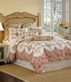 For my new antique bed! Antique Beds, Comforters, Cottage, Quilts, Blanket, Antiques, Crafts, Home, Creature Comforts
