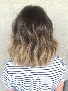 35 Short Ombre Hair Color Ideas for Brunettes That Are Trending for Short Ombre Hair Are you looking for short hair ombre? Then these 35 short ombre hair color ideas for brunettes that are trending for 2019 will be yo. Pastel Pink Hair, Hair Color Pink, Short Hombre Hair, Short Hair Ombre Brown, Natural Ombre Hair, Carre Haircut, Short Hair Cuts, Short Hair Styles, Colored Hair