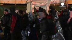"""Las autoridades italianas se hicieron cargo de los 360 inmigrantes que iban a bordo del mercante""""Ezadeen"""""""