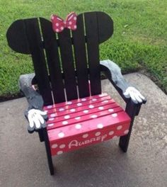 What a great Minnie Mouse chair for the kids inyourbackyard