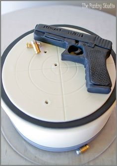 Groom's Cake: The Pastry Studio Here's another personal touch for this very special wedding with-Allison & Justin. The Groom's Cake was for a Volusia. 21st Birthday Cake For Guys, Surprise 30th Birthday, 40th Birthday Quotes, 30th Birthday Parties, Man Birthday, Birthday Ideas, Happy Birthday, Gun Cakes, Bithday Cake