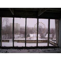 Pripíat es una ciudad ubicada al norte de Ucrania, en la frontera con Bielorrusia, conocida por haber sufrido los efectos del accidente de la Central Nuclear de Chernobil en 1986.