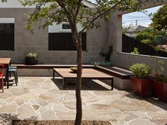 Porphyry Crazy Paving natural stone flooring by Eco Outdoor is a great option when working with curves in a garden, landscape or home design project. Outdoor Paving, Garden Paving, Outdoor Tiles, Outdoor Flooring, Outdoor Landscaping, Outdoor Decor, Backyard Patio, Stepping Stone Pavers, Brick Paving