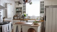 Rustic Farmhouse: What......to........do.........?