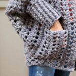In this video tutorial, we'll learn how to crochet a sweater start to finish. This easy, free crochet sweater pattern is beginner-friendly! Crochet Jumper, Crochet Cardigan Pattern, Crochet Jacket, Chunky Crochet, Crochet Shawl, Crochet Stitches, Free Crochet, Knit Crochet, Sweater Patterns