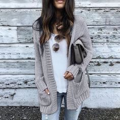 43 Totally Inspiring Womens Cardigan Outfits Ideas For This Spring Cardigan Outfits, Cardigan Fashion, Sweater Cardigan, Gray Cardigan, Batwing Cardigan, Crochet Cardigan, Big Sweater Outfit, Winter Cardigan Outfit, Chunky Cardigan