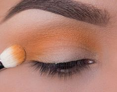 Showcasing Makeup Geek's unique foiled eyeshadows, this look will make you feel ready for those warm summer sunsets! Products Used: Makeup Geek Eyeshadow i