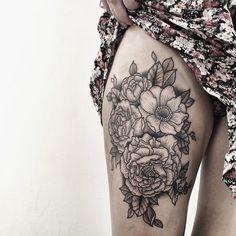 Today, tattoo fest 2015 ⚪️ #tattoofest #cracow #convention #krk #tattoo #blacktattoo #bwtattoo #blackwork #linetattoo #linestattoo #flowerstattoo #dotworktattoo #peonytattoo #girlswithtattoos #today