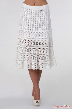 An irresistible white crochet skirt.Hello, an irresistible white skirt, a great idea for any season. Check out the free link with the chart for you to perform.- Diversamente Crochet By MaryRoseHandmade crochet and knitted skirts, maxi skirts, midi sk Crochet Skirt Pattern, Crochet Skirts, Crochet Clothes, Crochet Patterns, Crochet Ideas, Knitting Patterns, Easy Knitting, Diy Clothes, Beau Crochet