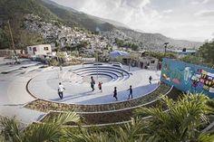 Espaço público Tapis Rouge em um bairro informal no Haiti / Emergent Vernacular Architecture (EVA Studio), © Gianluca Stefani