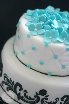Sweet 16 Cake. damask and quilting