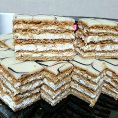 Prajitura Frumoasa Adormita - Anyta Cooking Cookie Recipes, Dessert Recipes, Romanian Desserts, Oreo Cupcakes, Beignets, Nutella, Delicious Desserts, Sweet Treats, Food And Drink