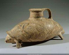 mycenaean drinking vessel in the shape of a hedgehog. 14th-12th BCE