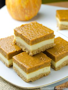 Pumpkin Cheesecake Bars - Will make for a super tasty sweet treat during the fall and holiday season. This perfect Pumpkin Cheesecake Bars is delicious and very good! Baked Pumpkin, Pumpkin Recipes, Dessert Bars, Dessert Recipes, Dessert Shots, Desserts For A Crowd, Bar Recipes, No Bake Pumpkin Cheesecake, Oreo Cheesecake