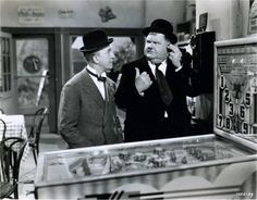 Laurel and Hardy almost playing pinball Laurel And Hardy, Stan Laurel Oliver Hardy, Richard Avedon, Pinball Wizard, Classic Comedies, Classic Films, Nostalgia, Old Quotes, Silent Film