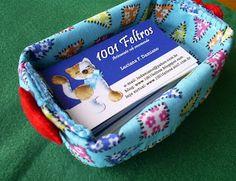 1001 Feltros: Porta agulhas e porta cartão de visita.