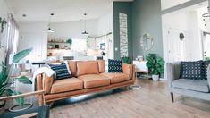 Les services d'un décorateur d'intérieur sont indispensables pour donner à votre espace une touche unique et stylée. Découvrez toutes ses missions avec UPOQ ! Upscale Furniture, High Quality Furniture, Fine Furniture, Living Room Furniture, Furniture Design, Feng Shui, Woodbridge Furniture, Kincaid Furniture, Stanley Furniture
