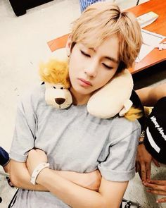 Too cute!! I'm mean lion at that stuffed Lion!! The boy is alright I guess. Jk. Oppa is cute to.