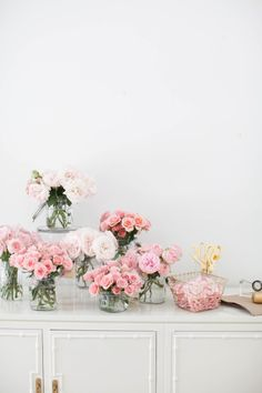 Bouquet bar: http://www.stylemepretty.com/living/2017/02/09/last-minute-valentine-diys-for-everyone-from-your-bestie-to-your-bae/
