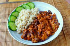 Ďábelské ragú z červených fazolí - Veganza. Vegan Recepies, Lentils, Curry, Beans, Veggies, Food And Drink, Rice, Cooking Recipes, Vegetarian