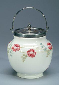 Moorcroft Macintyre Garland Biscuit Barrel, c.1907 :