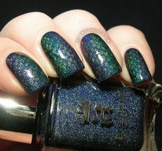 Holographic gradient manicure featuring A England Tristam, Saint George and Princess Sabra (Tristam Eyes) and a subtle stamping
