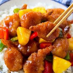 This sweet and sour shrimp recipe is made with crispy shrimp, colorful veggies and pineapple, all tossed in a homemade sweet and sour sauce. The perfect quick and easy summer dinner that's perfect for entertaining! Shrimp Recipes, Fish Recipes, Asian Recipes, Ethnic Recipes, Oriental Recipes, Shrimp Dishes, Keto Recipes, Sweet And Sour Shrimp Recipe, Gourmet
