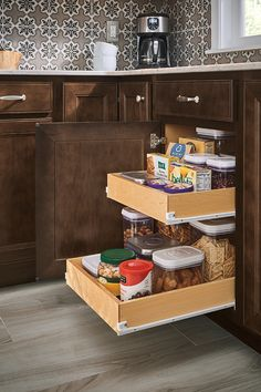 Discover smart ways to organize your kitchen cabinets – from roll trays to spice racks to built-in pots and pans organizers. Kitchen Cabinet Pulls, Black Kitchen Cabinets, Black Kitchens, Clever Kitchen Storage, Kitchen Organization Pantry, Kitchen Pantry, Contemporary Kitchen Design, Kitchen Colors, Storage Cabinets