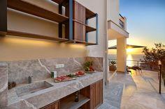 Elegant Villa with Breathtaking Sea Views (24)