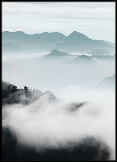 Cloud Mountains, posters i gruppen Posters  hos Desenio AB (8541)