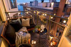 Varmt välkommen till Kvarnholmen och Kvarngränd 10. På sjunde våningen hittar ni denna välplanerade 2:a på 63 kvm med balkong och utsikt över Stockholmsinlopp. Lägenheten har en social öppen planlösning mellan kök och vardagsrum. På balkongen med dess slående utsikt kommer ni att avnjuta måga kvällar framöver. Lägenheten har genomgånde parkettgolv och ljusa ytskickt. Huset är byggt 2013-2014 och lägenheten är i väldigt bra skick. I och med att den nya Svinderviksbron till Nacka nu är öppen…