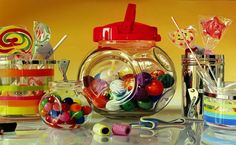 Artista italiano retrata o mundo dos doces em pinturas hiperrealistas