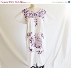 40 OFF SALE Vintage 70's White Purple  by perniejaynevintage, $34.80