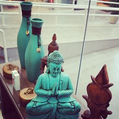 """""""If you have led an honorable and honest life, there is no need to be afraid of speaking the truth. Buddha Zen, Gautama Buddha, Buda Decoration, Buddha Thoughts, Serenity Garden, Samurai, Mudras, House By The Sea, Meditation Space"""