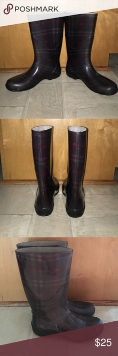 Rain boots Dark grey, light grey, and red plaid rubber rain boots. Great condition! Shoes Winter & Rain Boots