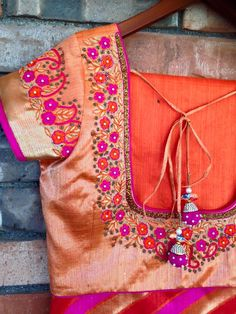 Saved by radhareddy garisa South Indian Blouse Designs, Best Blouse Designs, Simple Blouse Designs, Stylish Blouse Design, Hand Work Design, Mirror Work Blouse, Pattu Saree Blouse Designs, Designer Blouse Patterns, Embroidery Blouses