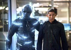 The Flash – Supergirl pode aparecer como a Poderosa na série! - Legião dos Heróis