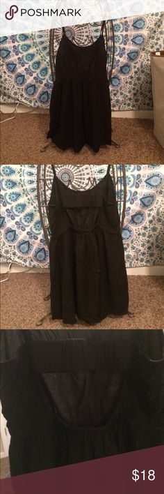 Black American Eagle Dress American Eagle. Size medium. Black, open back dress😁 Dresses Backless