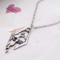 Hot sale Fashion Accessories Silver Elder Scrolls Skyrim pterosaur pendant necklace for men& women vintage Jewelry♦️ SMS - F A S H I O N 💢👉🏿 http://www.sms.hr/products/hot-sale-fashion-accessories-silver-elder-scrolls-skyrim-pterosaur-pendant-necklace-for-men-women-vintage-jewelry/ US $0.98