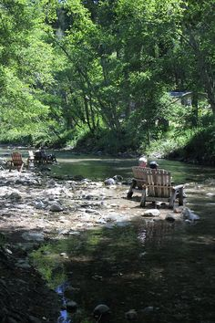 JUST PLAIN COUNTRY CHARM <3 I spent many a day along river like this. I go back every chance I get.