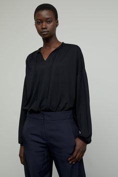 Body Measurements, Stand Up, Female Bodies, Product Description, Women Wear, Feminine, Lace, Long Sleeve, Model