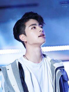 June my iKon bias wrecker 💓 Kim Jinhwan, Chanwoo Ikon, Hip Hop, Btob, Yg Entertainment, Jackson Wang, Michael Jackson, K Pop, Kdrama