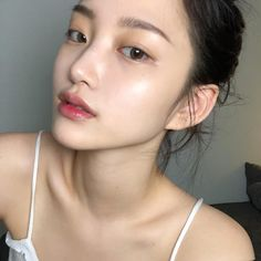 ImageFind images and videos about girl, hair and model on We Heart It - the app to get lost in what you love. Asian Makeup Looks, Korean Eye Makeup, Natural Makeup Looks, Korean Natural Makeup, Natural Beauty, Beauty Make-up, Beauty Skin, Asian Beauty, Hair Beauty