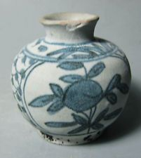 Shipwreck Ming Swatow Blue and white big jarlet (floral)