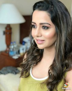 Raiza Wilson Raiza Wilson, Tamil Actress Photos, South Indian Actress, Indian Beauty, Indian Actresses, Bollywood, Photoshoot, Actors, Hair