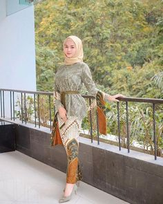 Model Kebaya Modern, Kebaya Modern Dress, Kebaya Hijab, Kebaya Dress, Dress Brukat, Batik Dress, Dress Muslim Modern, Traditional Dresses Designs, Batik Fashion